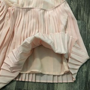 Nasty Gal Tops - Nasty Gal Neutral Pink 'If You Pleat' Halter Top